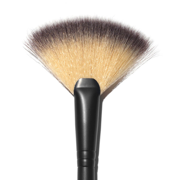 Rodial - The Fan Brush #11 - Buy Online at Beaute.ae