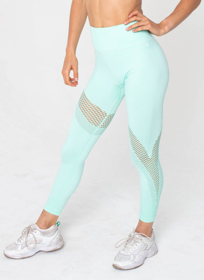 Finish Line Seamless Mint Green Yoga Set - Athlete Body