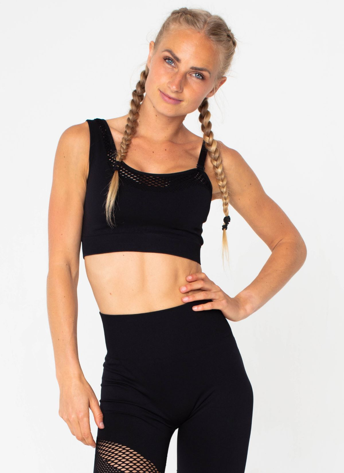 Finish Line Seamless Black Sports Bra - Athlete Body