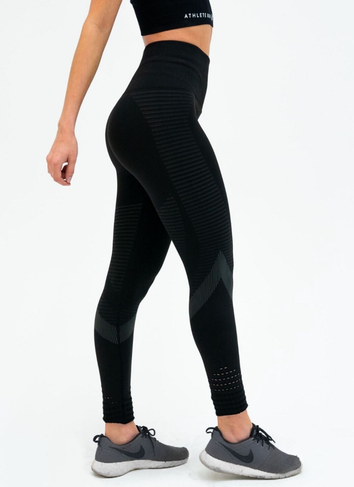 Feel Seamless Black Leggings - Athlete Body