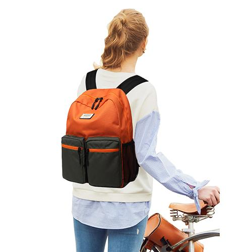 135301 Fashionable backpack backpacks are versatile for students' leisure