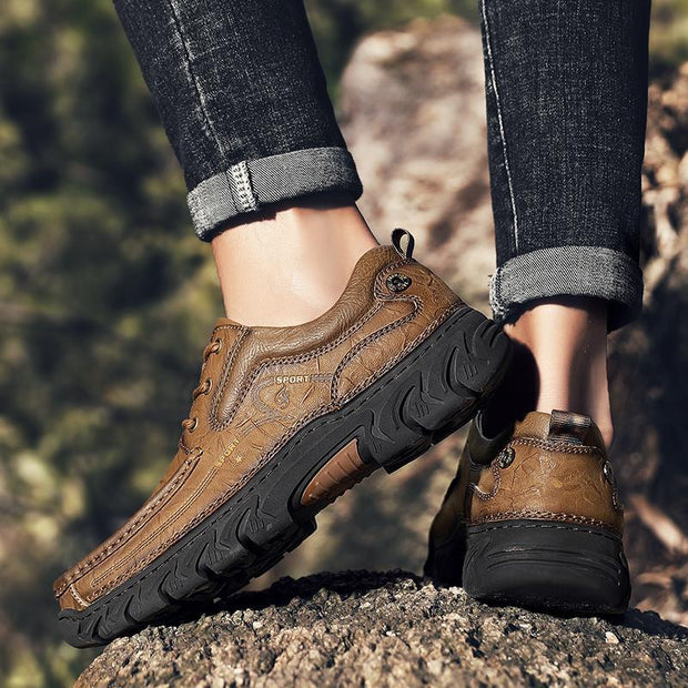New Casual Leather Men's Shoes Lightweight Moccasins Loafers Breathable Shoes Hot Sale Male Flats Sneakers Large Sizes