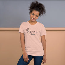 Load image into Gallery viewer, buttercream queen peach tshirt with model