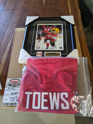 Jonathan Toews Signed Jersey with Certificate Of Authenticity by Frameworth, Plus Framed Picture