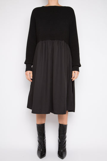 Gehu Dress in Black