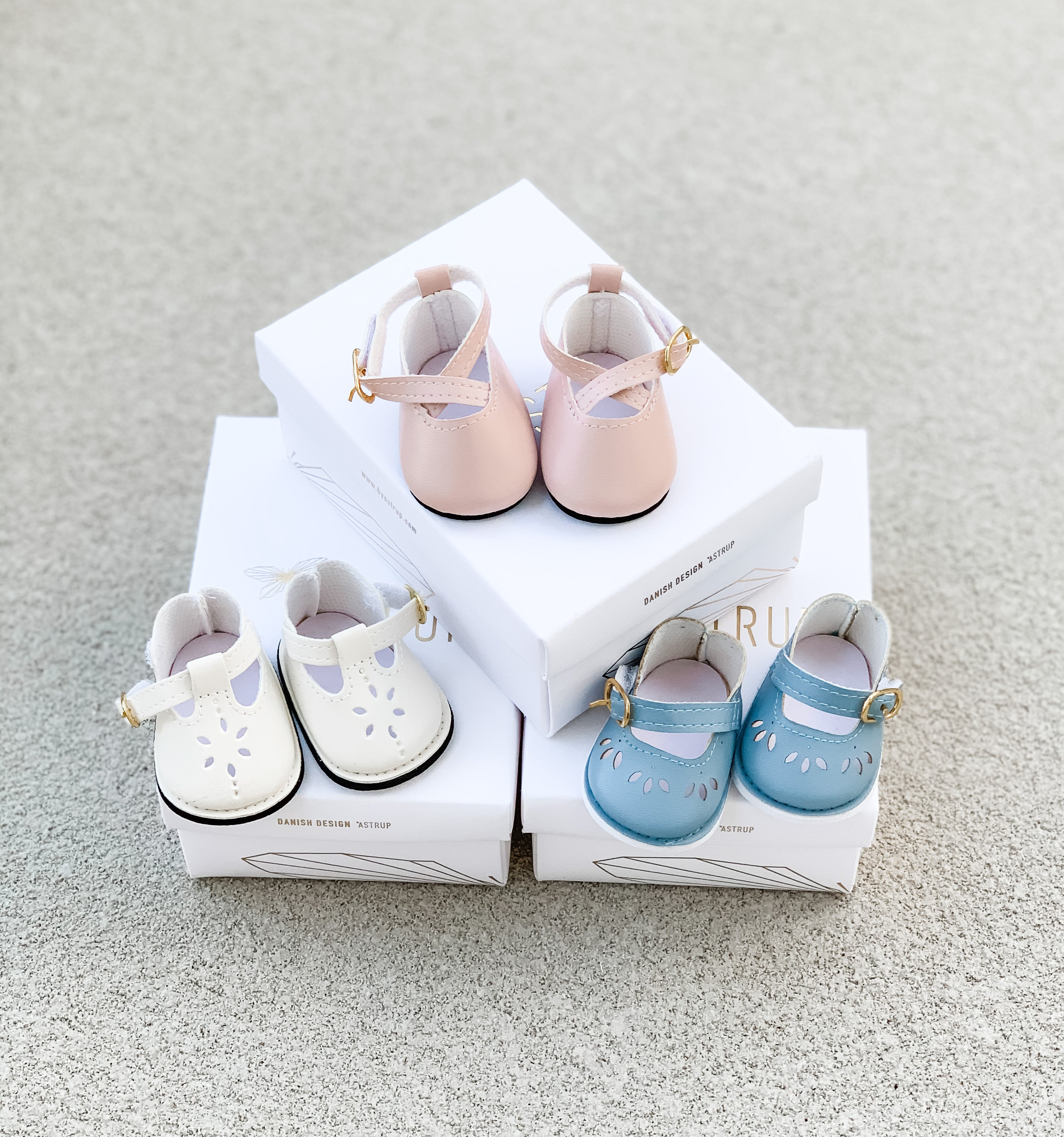 Doll Shoes in Powder Pink