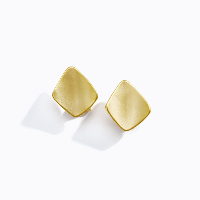 Smooth Curved Plate Stud Earrings