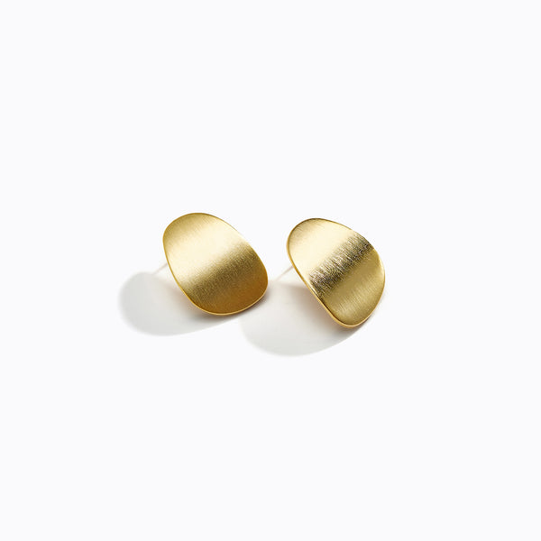 Curved Oval Plate Stud Earrings
