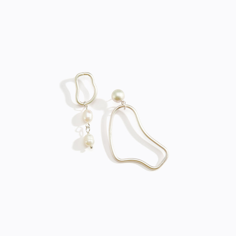 Asymmetric Waved Loop + Pearl Drop Earrings