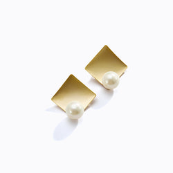 Pearl + Metallic Plate Stud Earrings