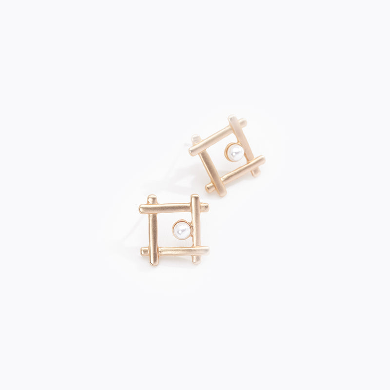 Criss Cross Square & Pearl Stud Earrings