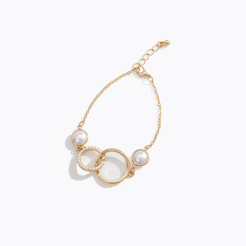 Interlocking Pearl and Chain Bracelet