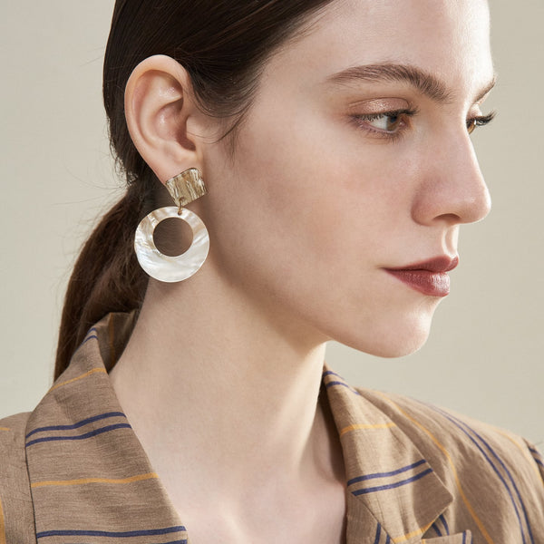 Cut Out Shell Circle Drop Earrings