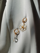 Load image into Gallery viewer, JAS earrings