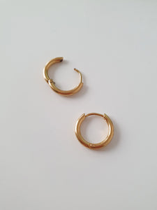 ELLUM hoop earrings