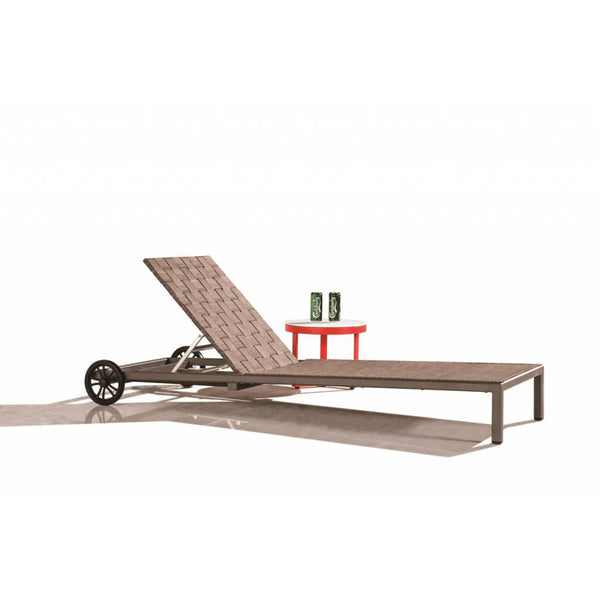 Asthina Chaise Lounge With Wheels And With Coffee Table
