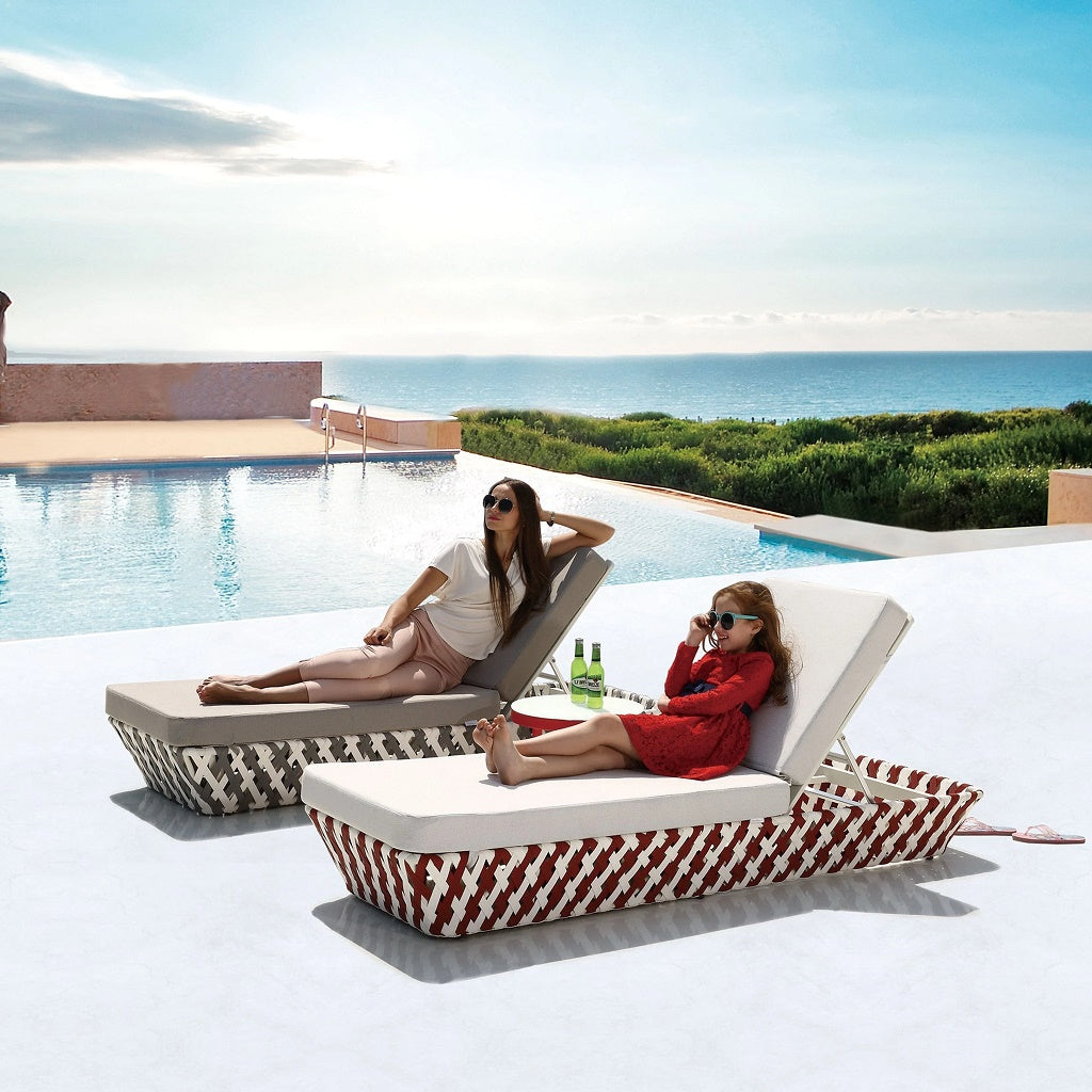 Verona Beach Bed With Coffee Table