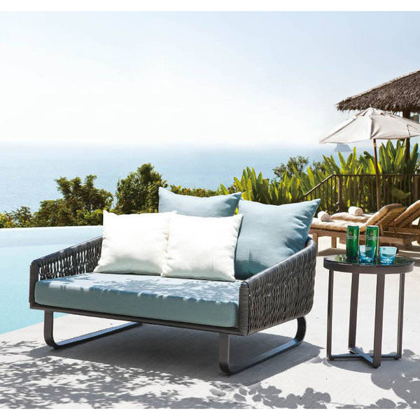 Haiti Daybed With Round Side Table