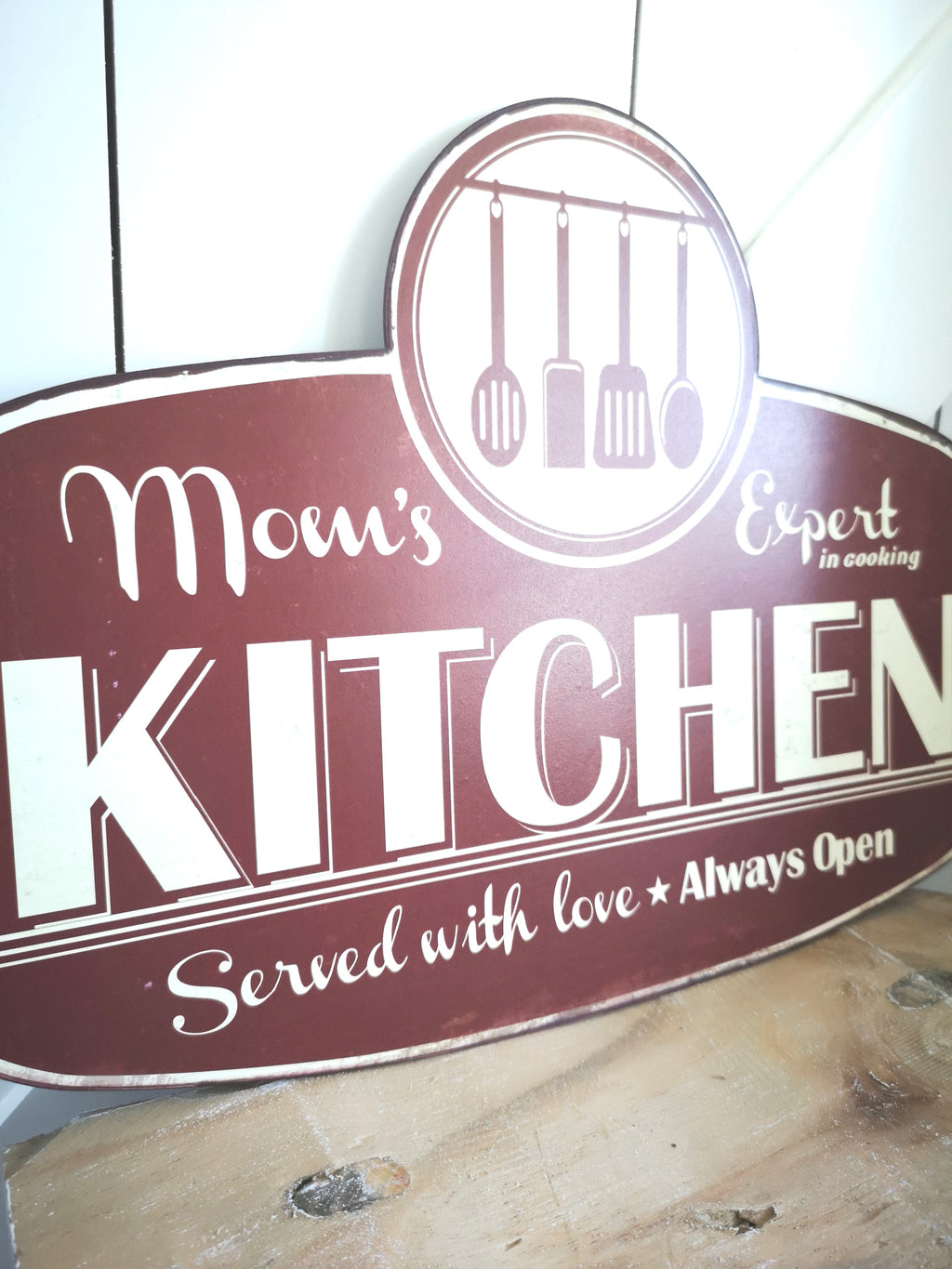 Schild ''Mom's Kitchen' - LANCUNI