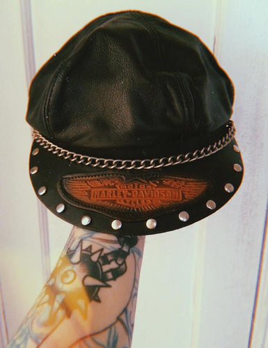 HARLEY CHAINED LEATHER CAP