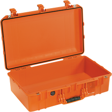 Load image into Gallery viewer, Pelican 1555 Air Case