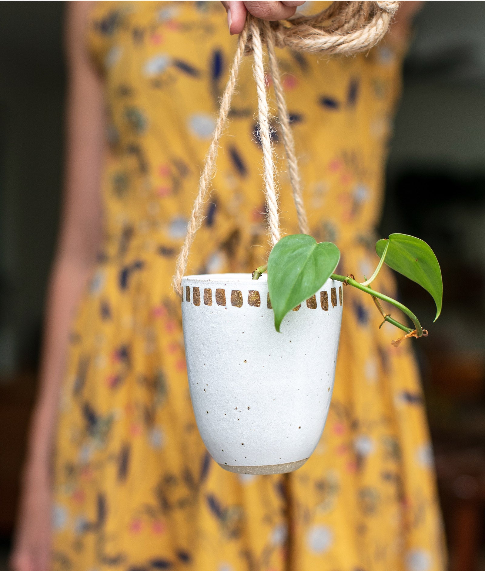 GOLD DASH HANGING PLANTER / VASE
