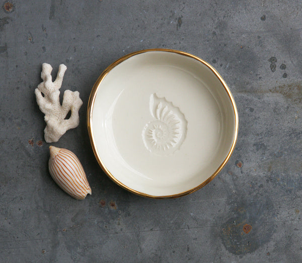 NAUTILUS SHELL BOWL - WHITE