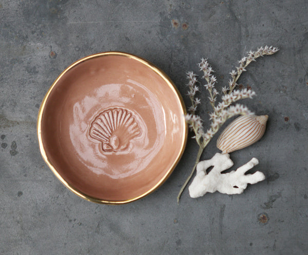 SCALLOP SHELL BOWL - CORAL PINK
