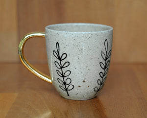 FLORA MUG - SANDY CLAY - GOLD HANDLE
