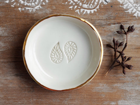 WHITE PAISLEY BOWL