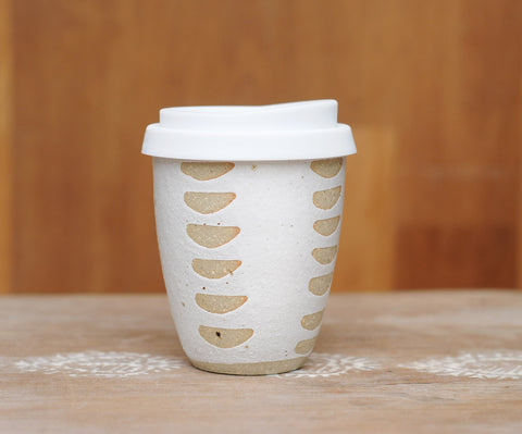 HALF MOON EARTH CUP - SANDY CLAY