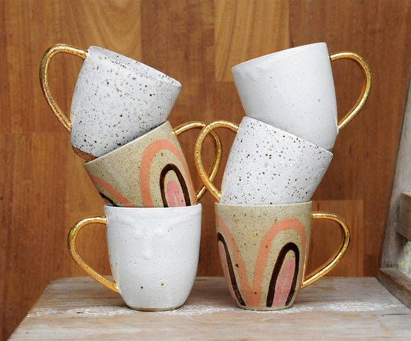 PEACHY RAINBOW MUG - SANDY CLAY - GOLD HANDLE