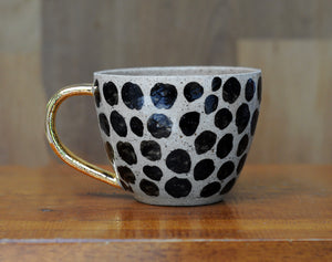 CHEETAH MUG - SANDY CLAY - GOLD HANDLE