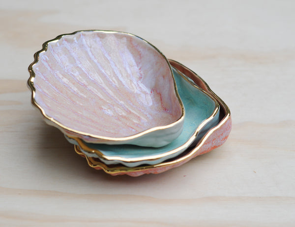 COCKLE SHELL BOWL - MINTY HAZE