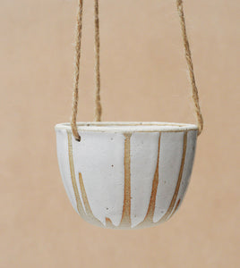 DRIBBLE HANGING PLANTER - SANDY CLAY