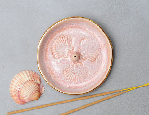SCALLOP SHELL INCENSE HOLDER - PINK OPAL GLAZE