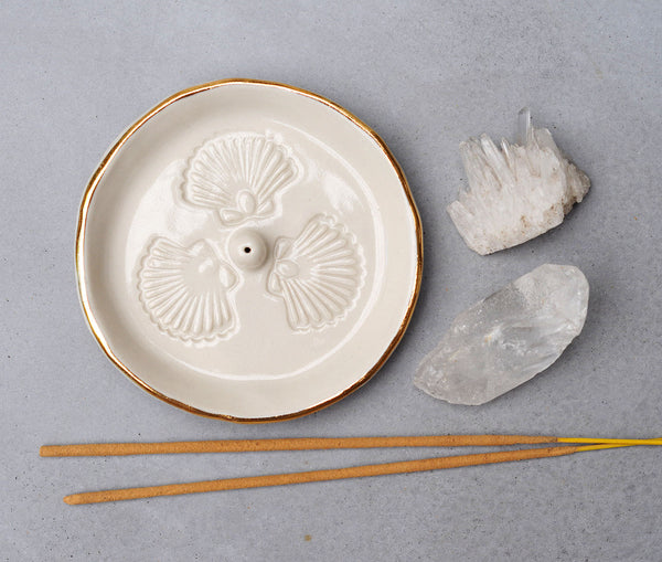 SCALLOP SHELL INCENSE HOLDER - CLEAR GLAZE