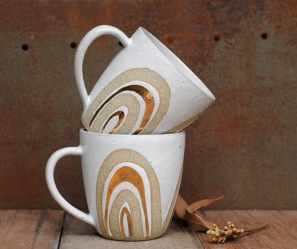 GOLD RAINBOW MUG - SANDY CLAY