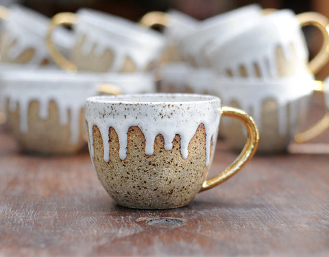 SPECKLED DRIBBLE MUG - WHITE GLAZE - GOLD HANDLE