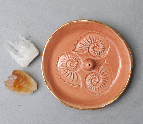 NAUTILUS SHELL INCENSE HOLDER - CORAL GLAZE - WHITE CLAY