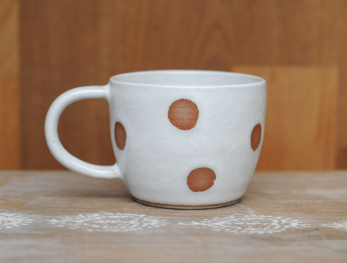 RISING MOON CUP - TAN CLAY