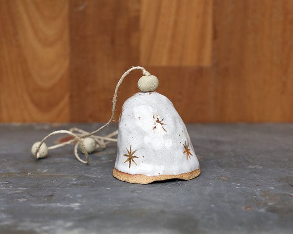 GOLD STAR BELL - SANDY CLAY - WHITE GLAZE