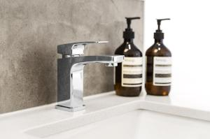 BELMORE BASIN MIXER CHROME