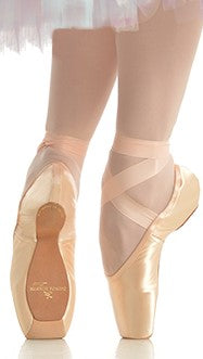 BAUER - To The Pointe - Gaynor Minden Pointe Shoes