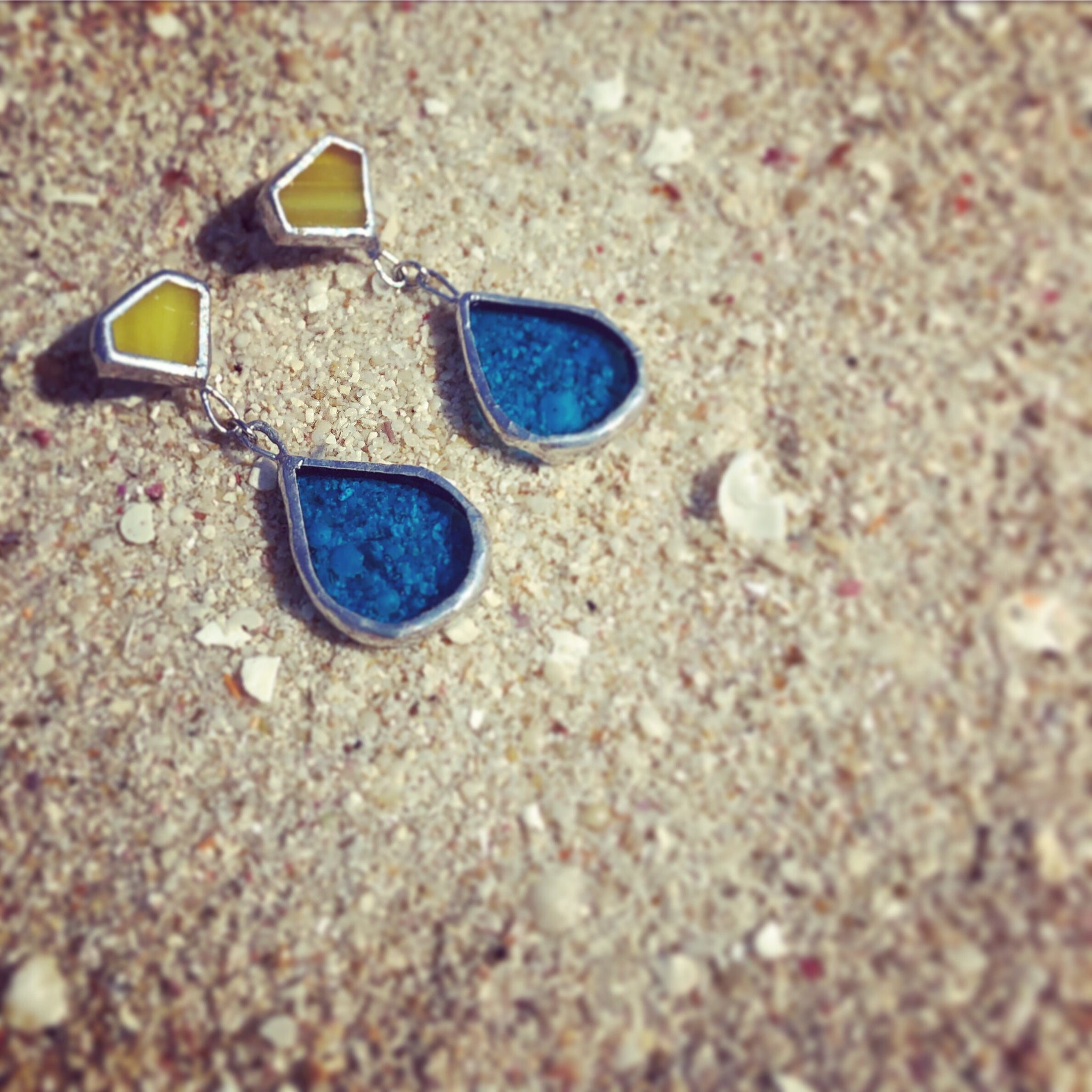 Drop earrings (light blue x yellow)