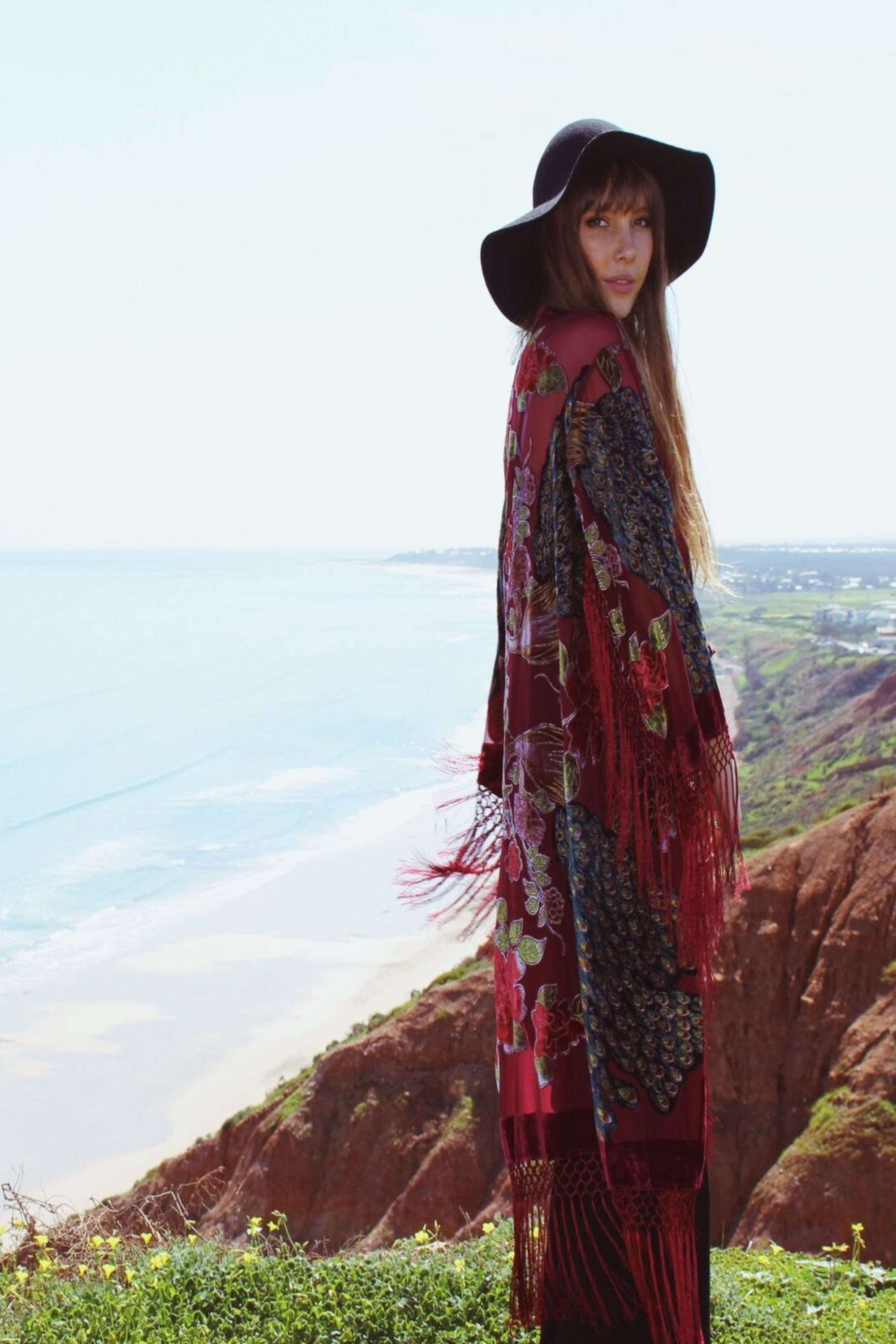 The Gilded Cage Slim Sleeve Kimono - Red