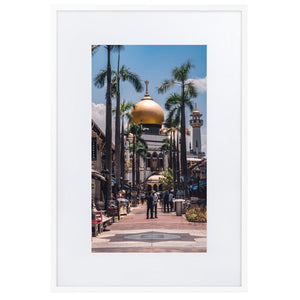 MASJID SULTAN Posters 24in x 36in (61cm x 91cm) / Europe only - White frame with mat - Thibault Abraham