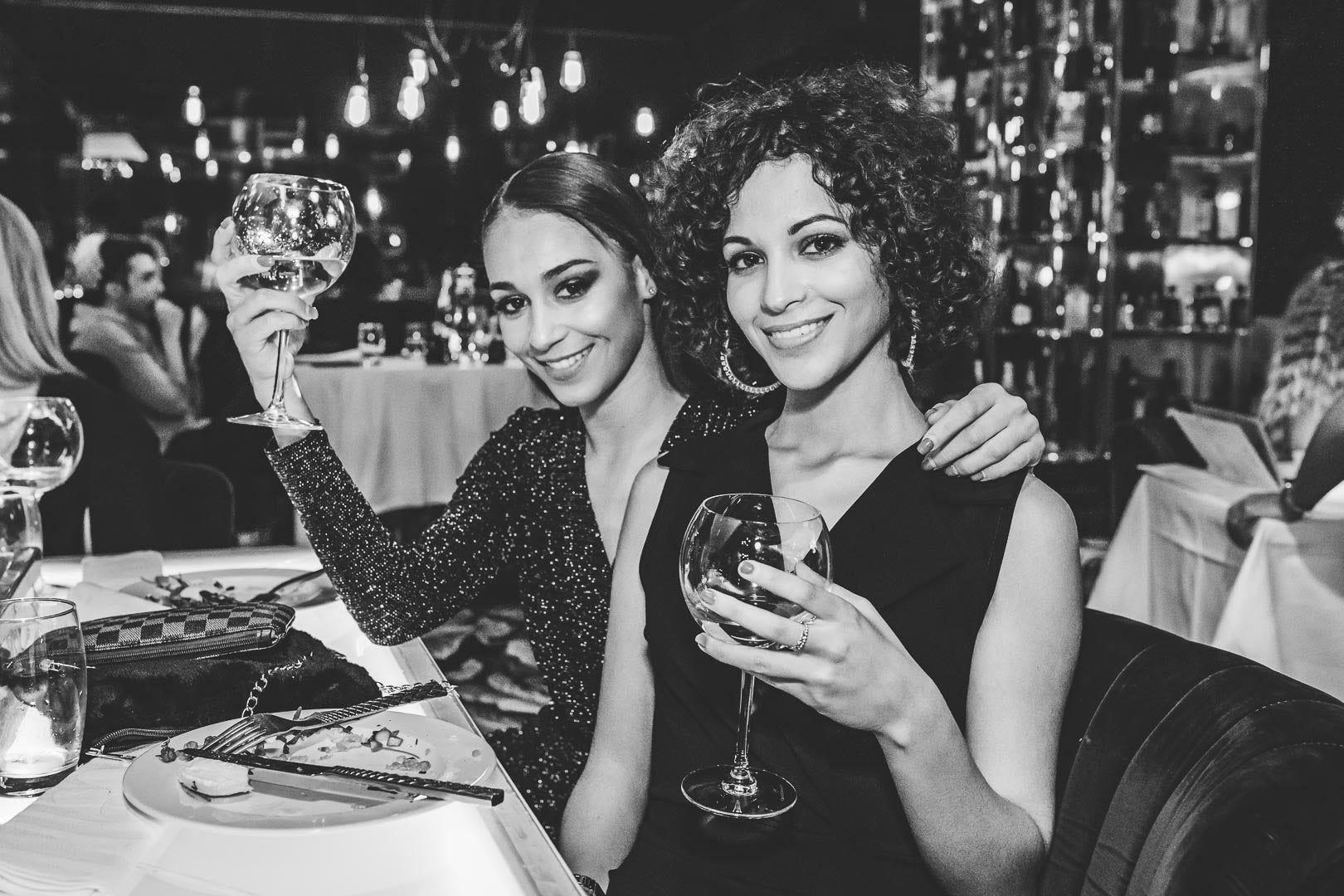 Miss Picardie and Miss Lorraine 2019 have a drink
