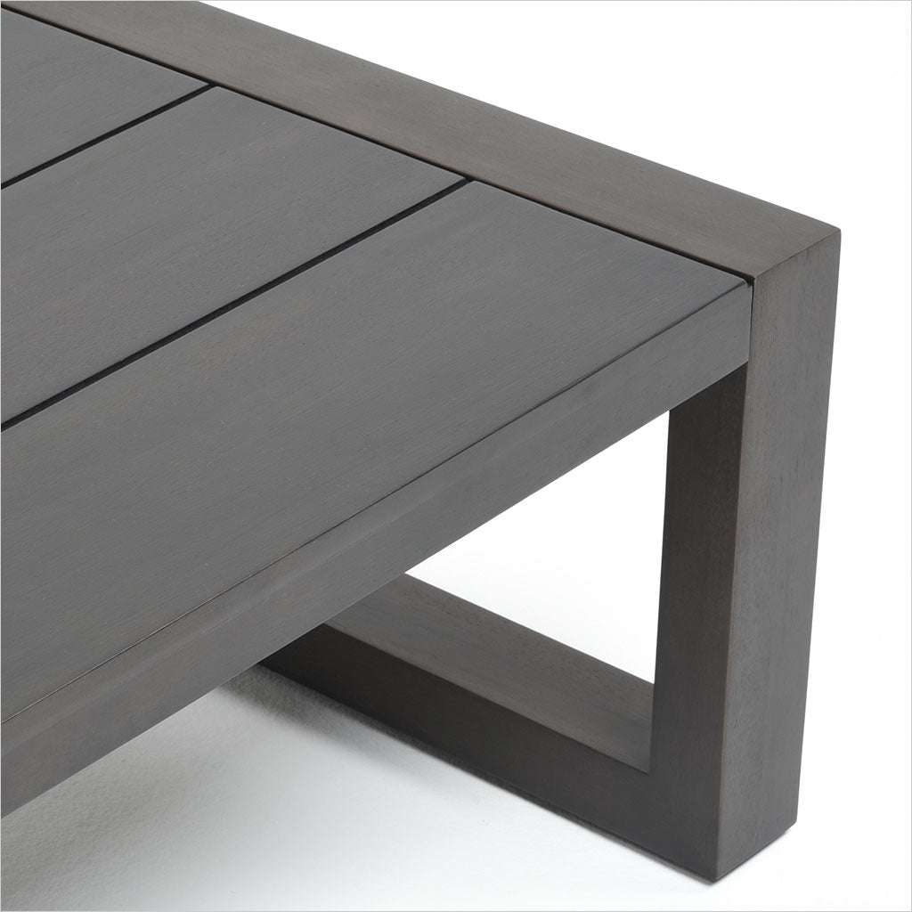 rectangular outdoor coffee table