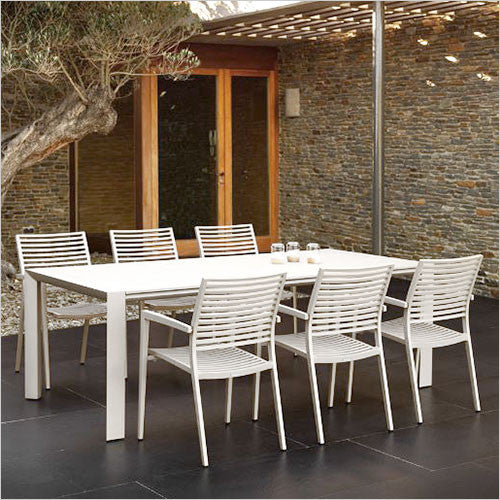 outdoor expandable dining table